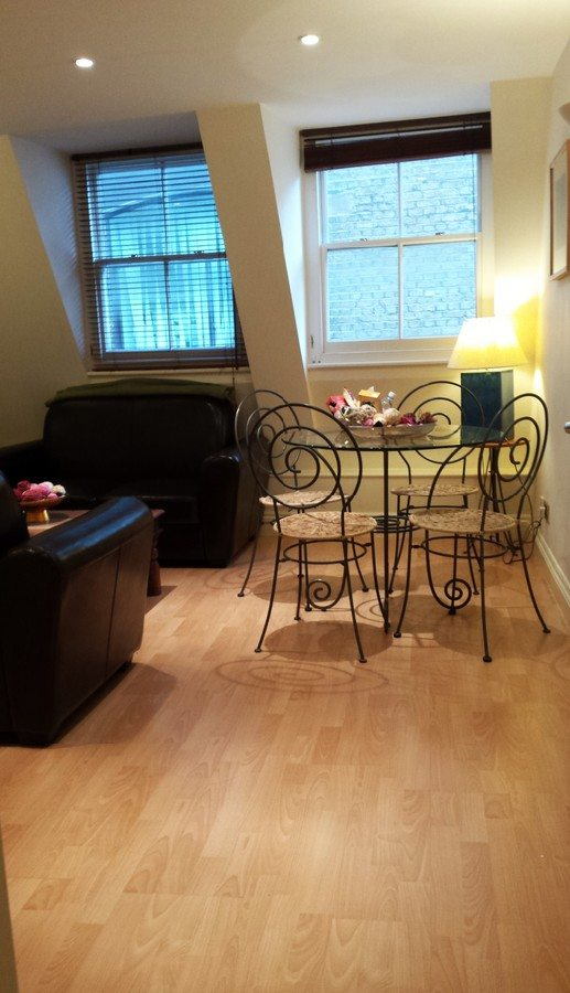 Liverpool-Street-Serviced-Apartments-London---Astral-House-Best-Living-Room-|-Urban-Stay