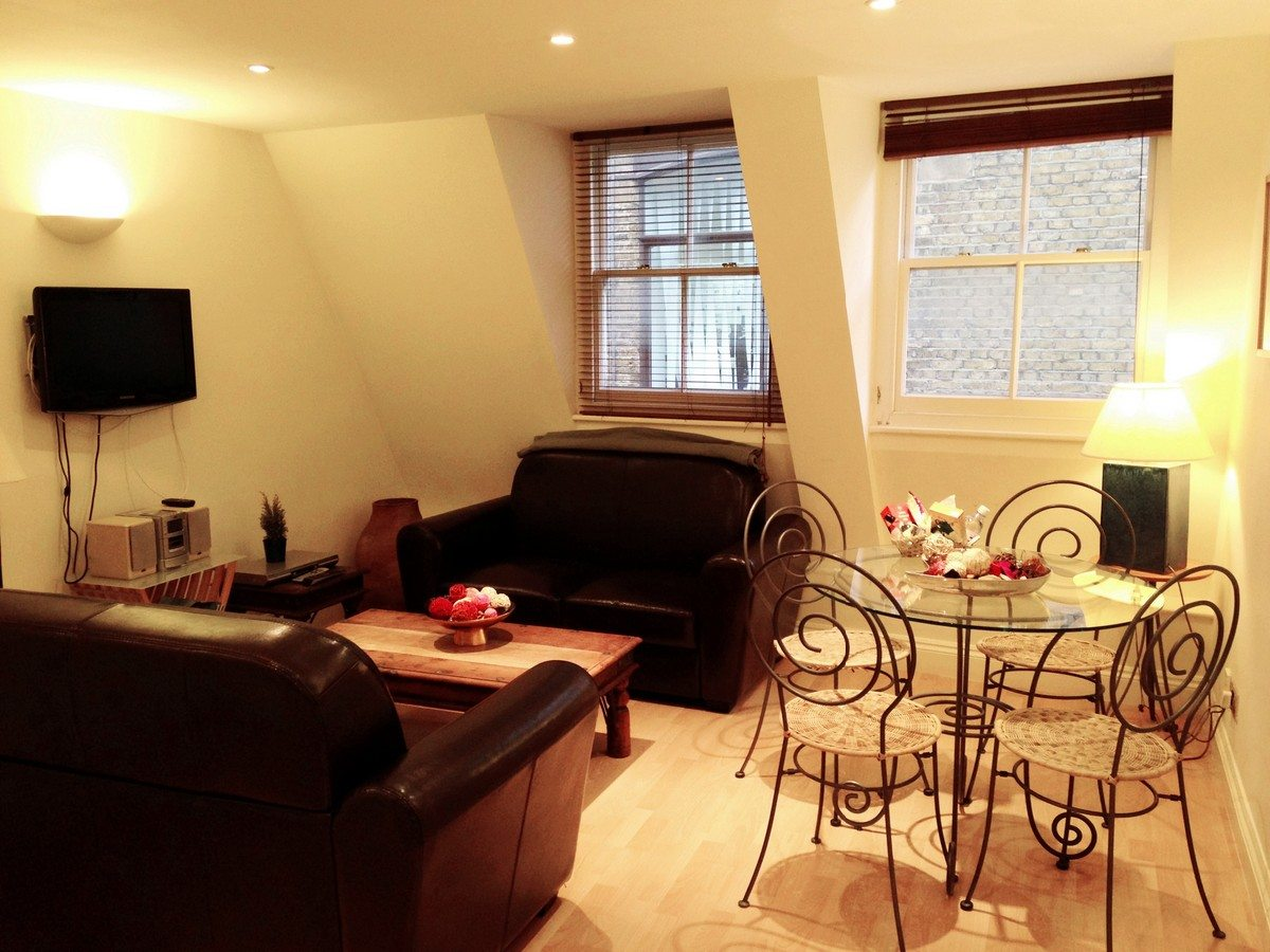 Liverpool Street Serviced Apartments London - Astral House Living Room and Dining Area | Urban Stay