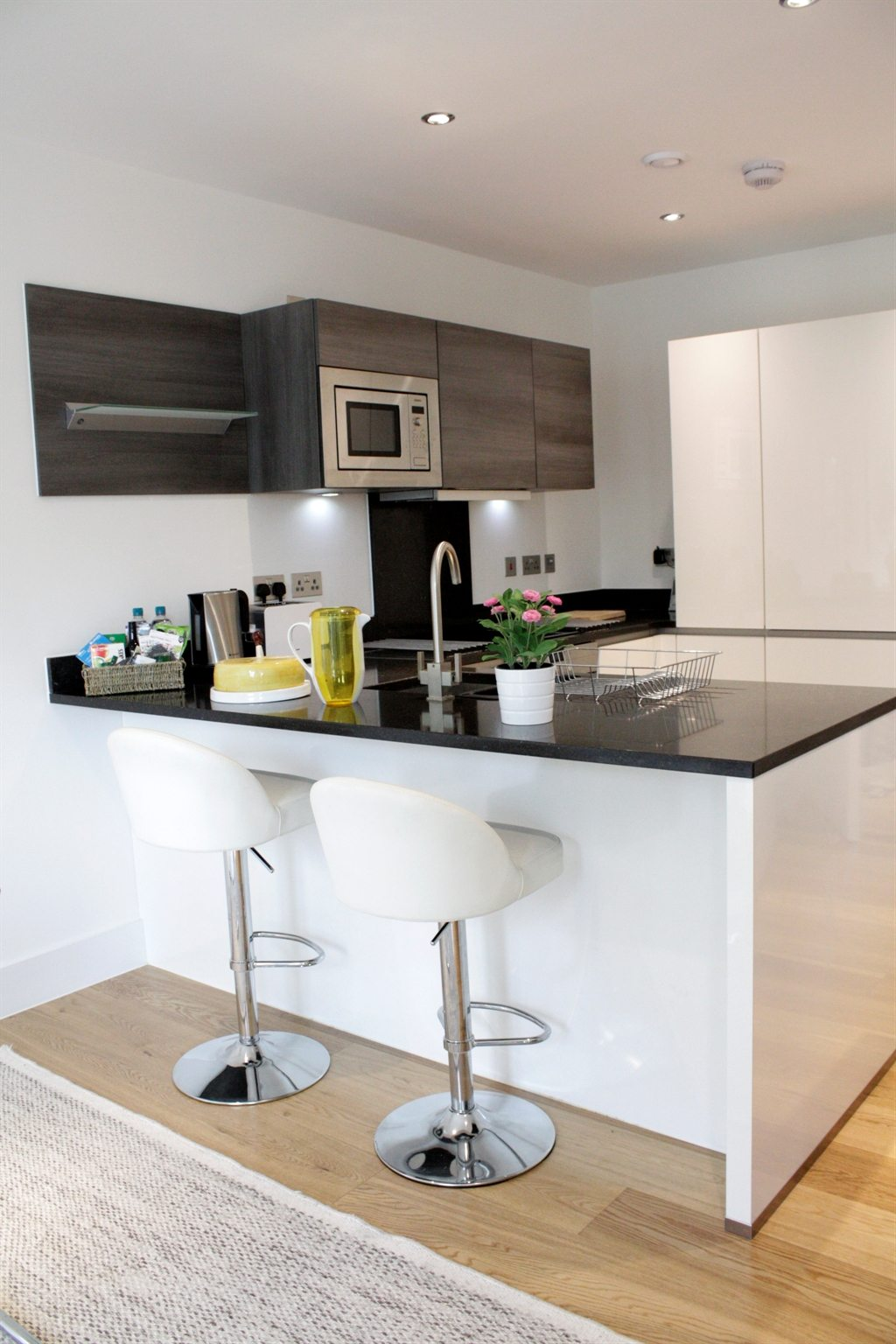 Portobello-Road-Serviced-Apartments---Notting-Hill-London---Kitchen