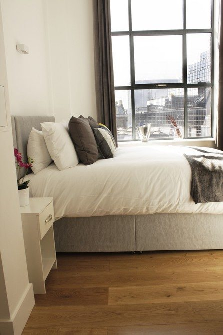 Shard-View-Apartments-Monument---The-City-of-London---Spacious-Bedroom