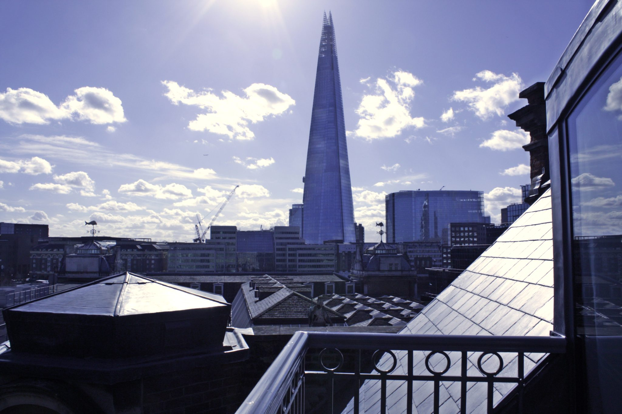 Shard-View-Apartments-Monument---The-City-of-London---balcony-view-2