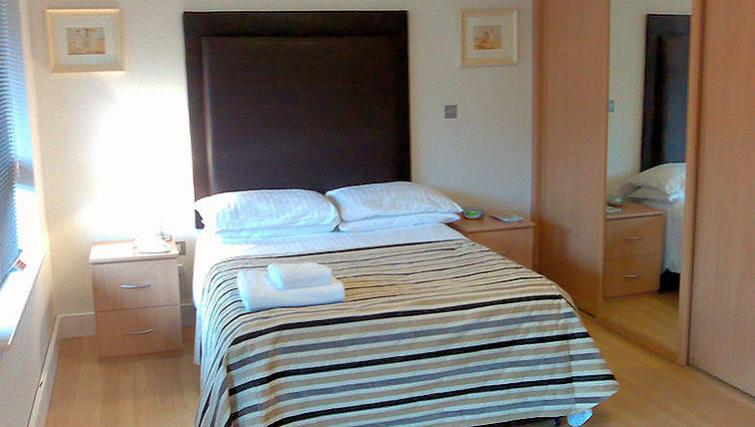 Anchor-Court-Serviced-Apartments-Basingstoke-UK-|-Urban-Stay