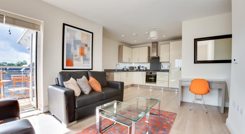 Athena Court Accommodation Maidenhead Serviced Apartments UK – kitchen and living area | Urban Stay