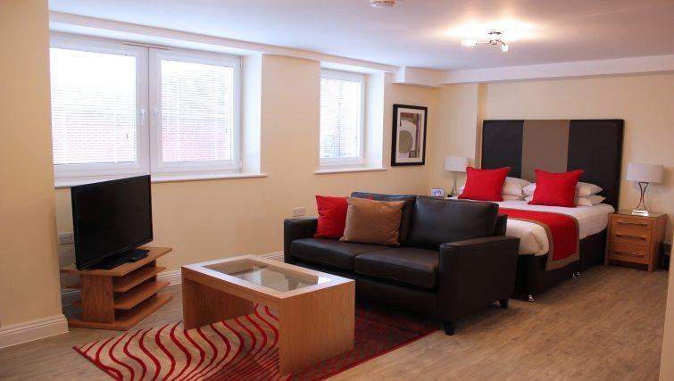 Central-Point-Corporate-Accommodation-Basingstoke-UK-Studio-Bedroom