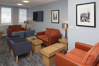 Central-Reading-Apartments---serviced-corporate-accommodation---lounge-|-Urban-Stay