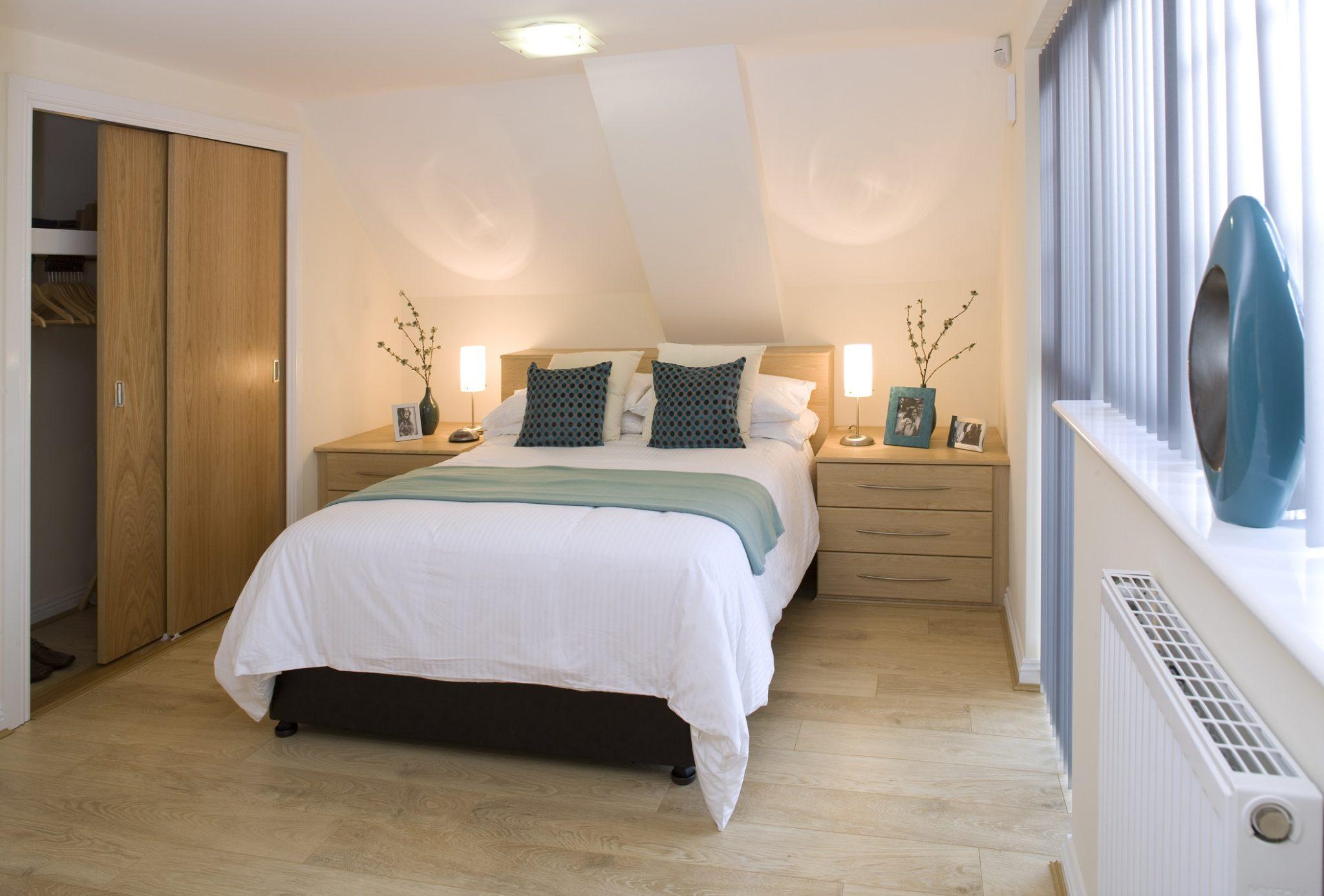 Cliddesden-Place-Short-Stay-Apartments-Basingstoke-UK-Bedroom-Wood-Floor