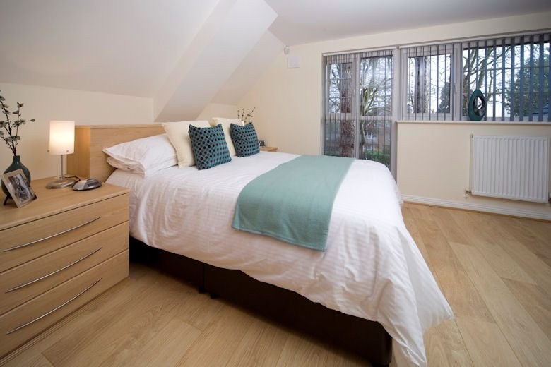 Cliddesden-Place-Short-Stay-Apartments-Basingstoke-UK-Luxury-Bedroom