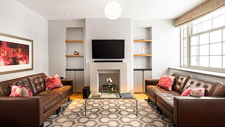 Marylebone Serviced Apartments Central London deluxe living room Urban Stay