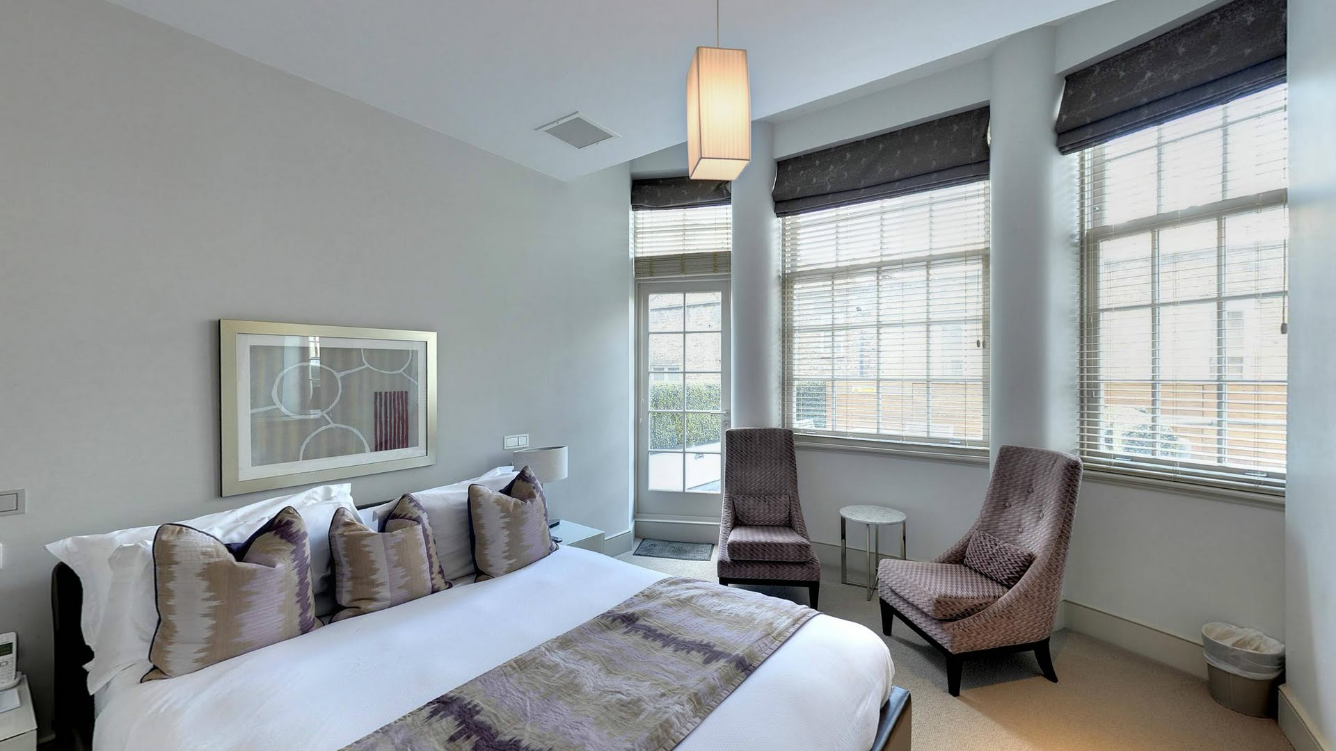 Marylebone-Serviced-Apartments-Central-London-king-size-luxury-bedroom-Urban-Stay