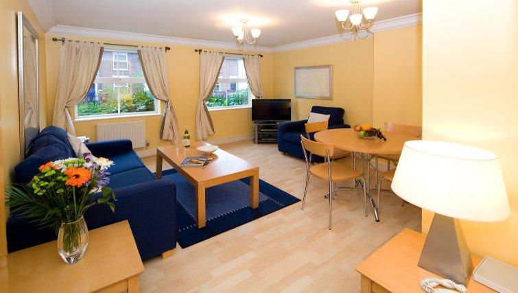 Serviced-Accommodation-Reading-Short-Stay-Apartments-Stanshawe-Court-living-area