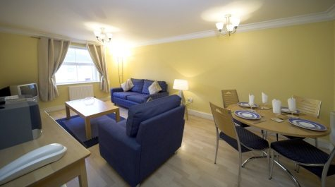 Serviced-Accommodation-Reading-Short-Stay-Apartments-Stanshawe-Court-living-room
