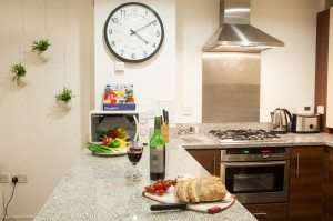 Serviced Accommodation Liverpool Street - Steward Street Apartments Kitchen