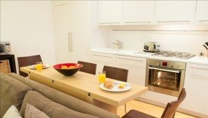 Serviced Accommodation Liverpool Street - Steward Street Apartments Dining Area
