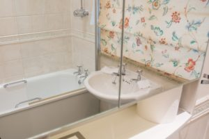 Serviced Apartments Staines upon Thames Wraysbury Hall Apartments - Corporate accommodation