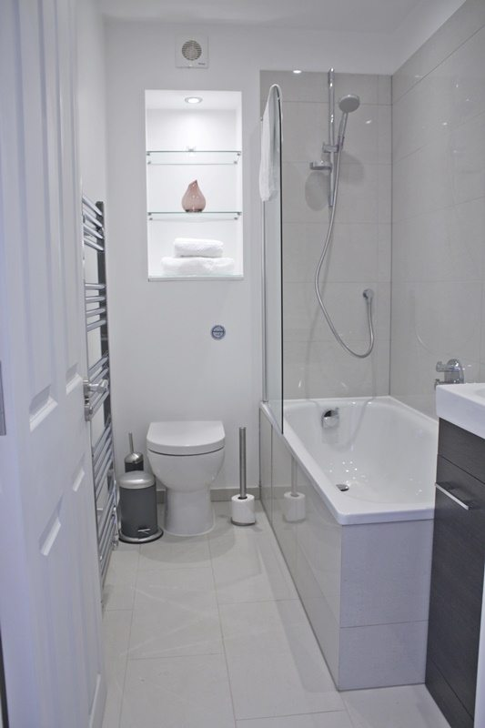 Cambridge Gardens Serviced Accommodation Notting Hill London - Urban Stay - modern bathroom