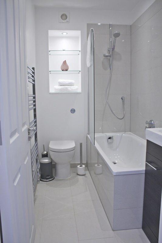 Cambridge-Gardens-Serviced-Accommodation-Notting-Hill-London---Urban-Stay---modern-bathroom