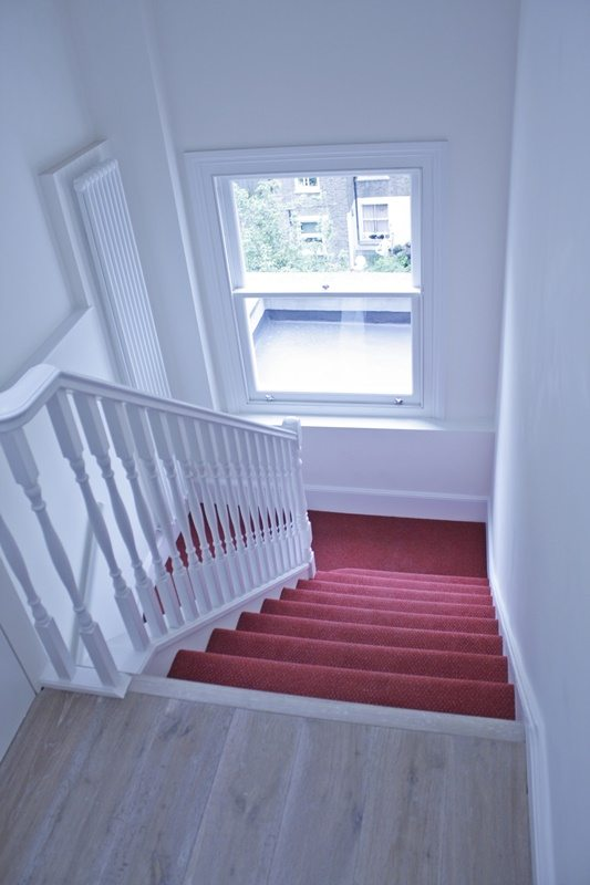 Cambridge-Gardens-Serviced-Accommodation-Notting-Hill-London---Urban-Stay---staircase