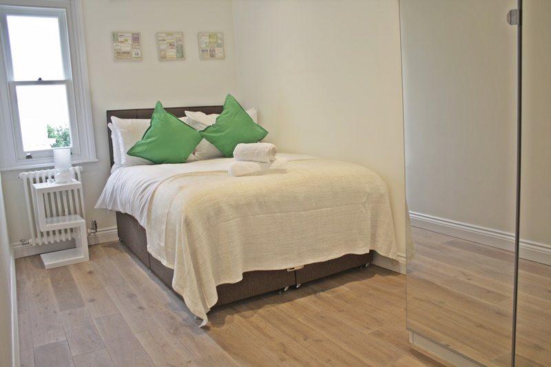 Cambridge-Gardens-Serviced-Accommodation-Notting-Hill-London---Urban-Stay