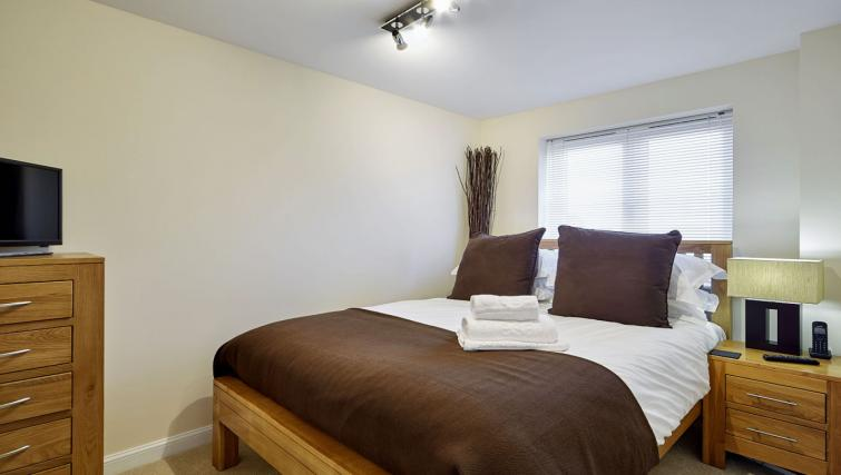 Harcourt-Place-Oxford-Serviced-Apartments-UK---Urban-Stay-corporate-accommodation---bedroom