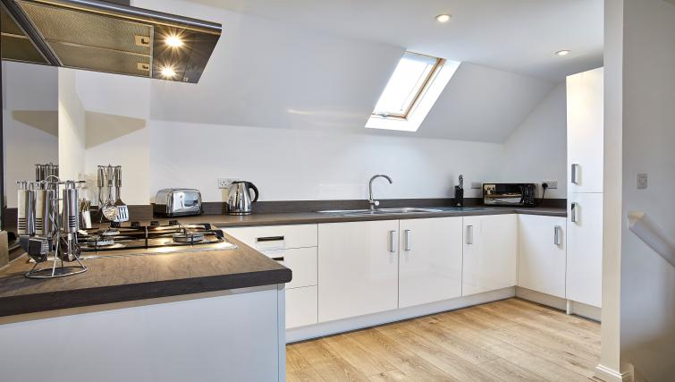 Harcourt Place Oxford Serviced Apartments UK - Urban Stay corporate accommodation - kitchen 2