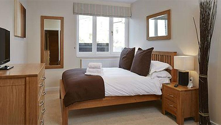 Hillcrest-Court-Guildford-Serviced-Apartments-UK---Urban-Stay---bedroom