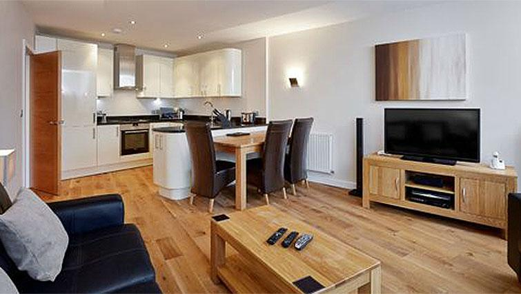 Hillcrest-Court-Guildford-Serviced-Apartments-UK---Urban-Stay---living-room