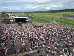 Newbury Racecourse - urban stay servciced apartements uk - corporate accommodation newbury 2