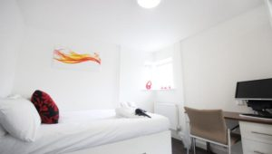 Park House Luton Serviced Apartments UK - Urban Stay corporate accommodation - bedroom