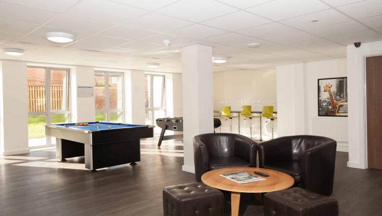Park-House-Luton-Serviced-Apartments-UK---Urban-Stay-corporate-accommodation---games-room