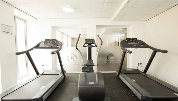 Park-House-Luton-Serviced-Apartments-UK---Urban-Stay-corporate-accommodation---gym