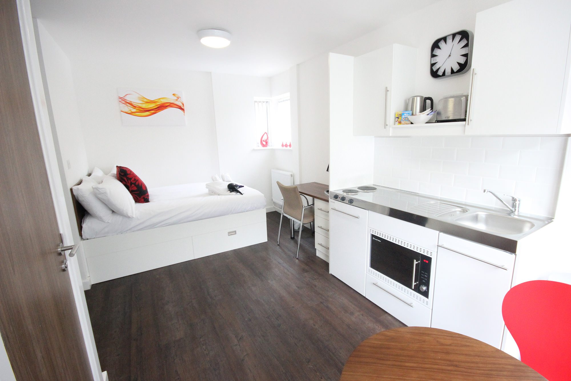 Park-House-Luton-Serviced-Apartments-UK---Urban-Stay-corporate-accommodation---studio-apartment