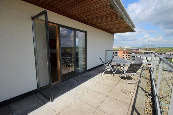 Vizion-Short-Stay-Apartments-Milton-Keynes-UK---Urban-Stay-corporate-accommodation---balcony-21