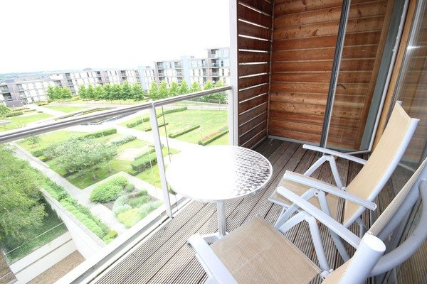 Vizion-Short-Stay-Apartments-Milton-Keynes-UK---Urban-Stay-corporate-accommodation---balcony-3
