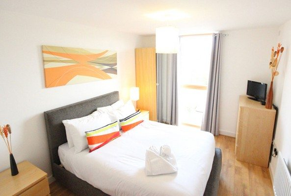 Vizion-Short-Stay-Apartments-Milton-Keynes-UK---Urban-Stay-corporate-accommodation---bedroom-3