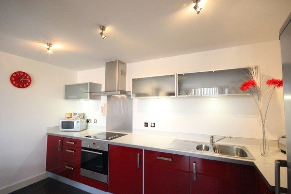 Vizion-Short-Stay-Apartments-Milton-Keynes-UK---Urban-Stay-corporate-accommodation---kitchen-2