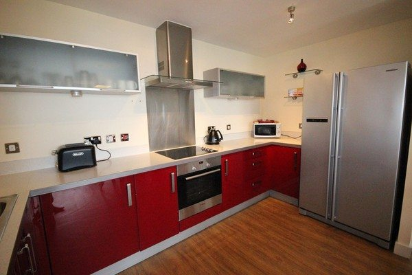 Vizion-Short-Stay-Apartments-Milton-Keynes-UK---Urban-Stay-corporate-accommodation---kitchen-5