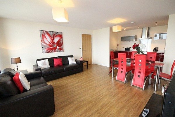 Vizion-Short-Stay-Apartments-Milton-Keynes-UK---Urban-Stay-corporate-accommodation---living-room-7