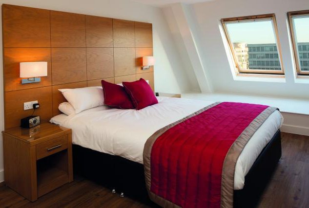 Serviced Apartments Reading - Corporate Accommodation Reading UK - Kings Road - Urban Stay