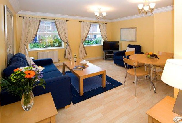 Serviced Apartments Reading - Corporate Accommodation Reading UK - Stanshawe Court - Urban Stay