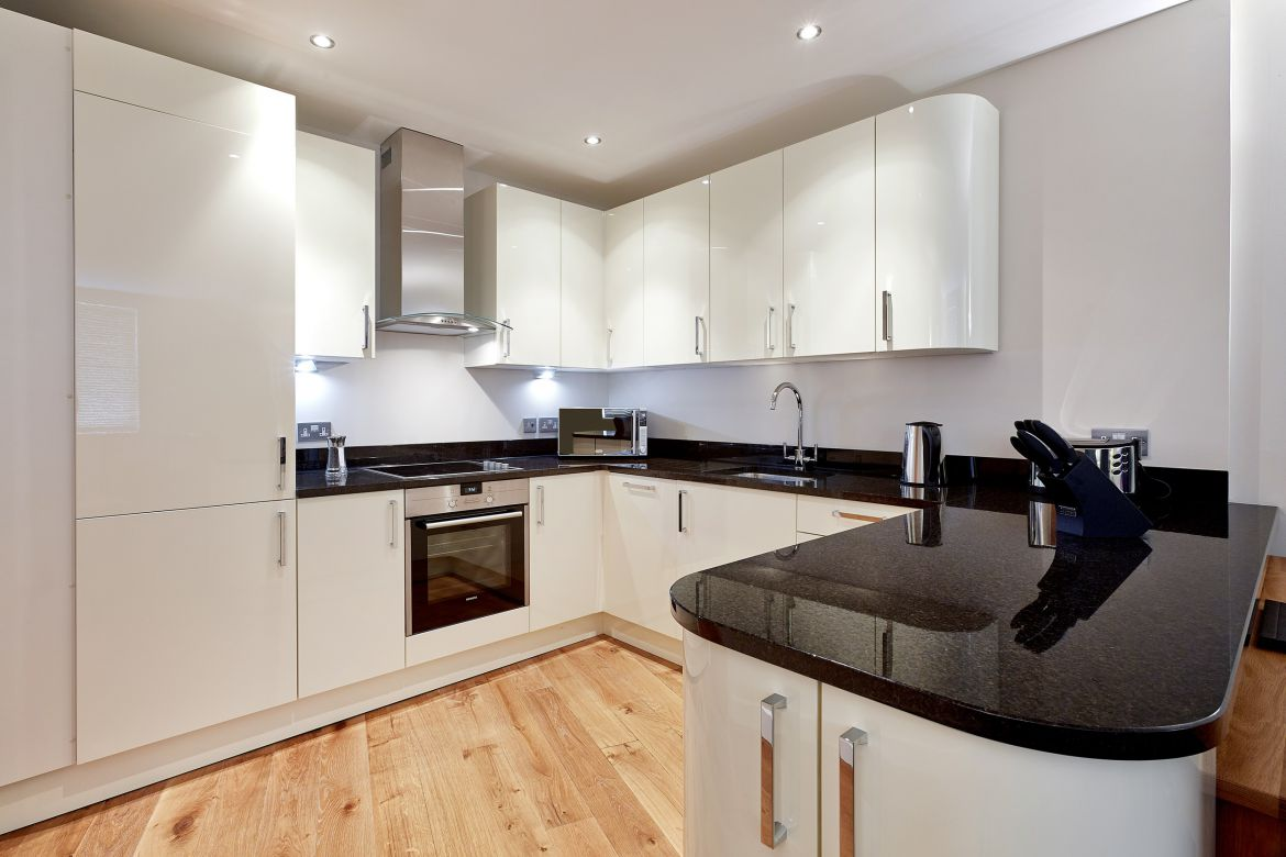 Serviced Apartments Windsor - Short Let Accommodation Windsor, UK - Urban Stay 1