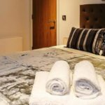 Tooley Street Short Stay Apartments London Bridge - Corporate Accommodation London - Urban Stay - living room 5