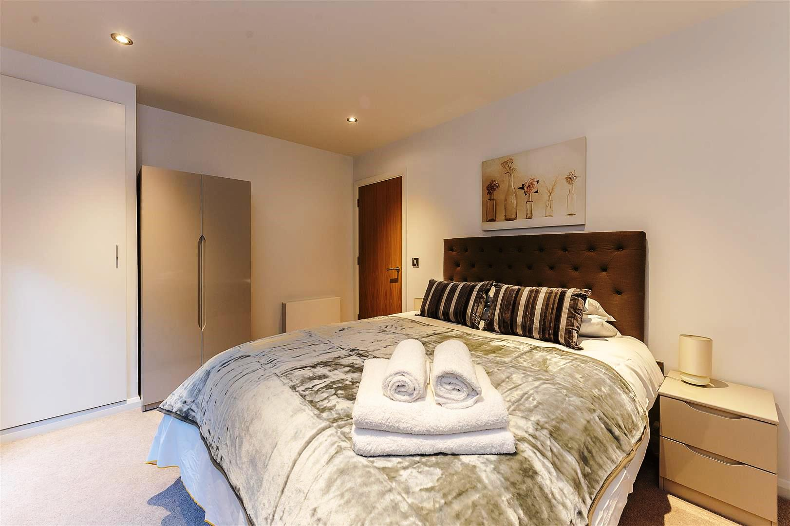 Tooley-Street-Short-Stay-Apartments-London-Bridge---Corporate-Accommodation-London---Urban-Stay---bedroom