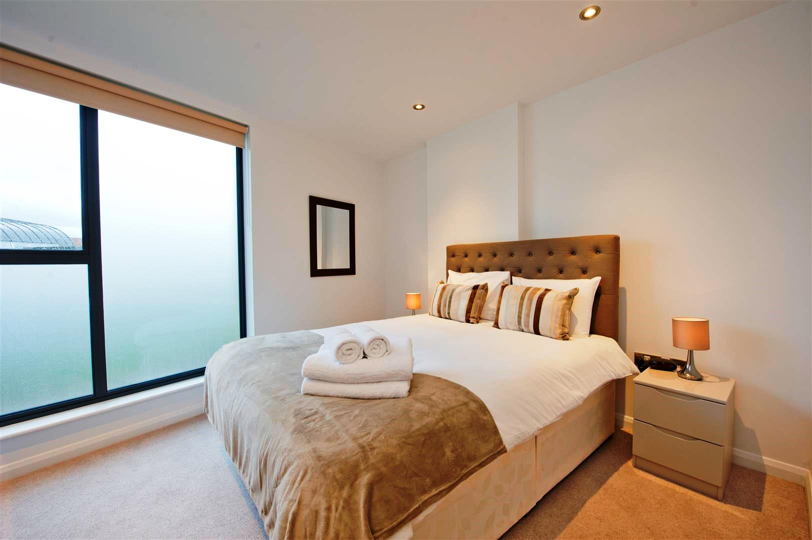 Tooley-Street-Short-Stay-Apartments-London-Bridge---Corporate-Accommodation-London---Urban-Stay---bedroom-2