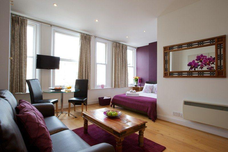 Longride-Road---Short-Stay-Accommodation-Kensington,-London---Urban-Stay