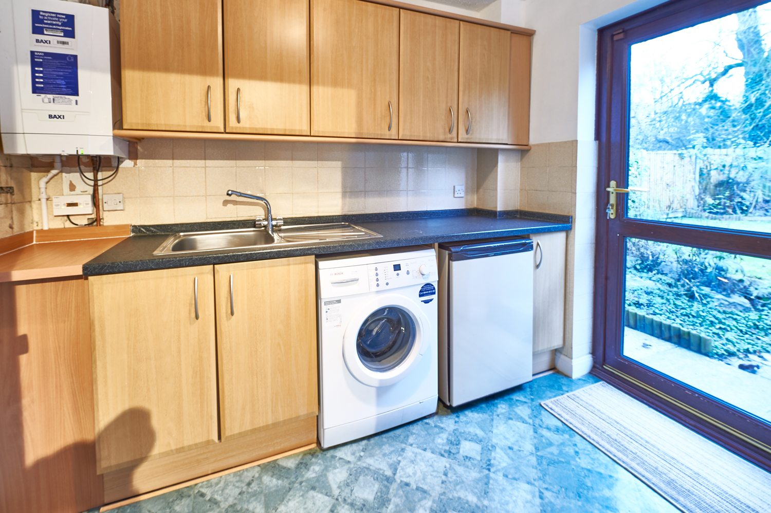 Northleigh-Serviced-Accommodation-Milton-Keynes---Fully-Equipped-Kitchen,-Modern-Design,-Cheap-Prices,-Close-To-Train-Station---Book-Urban-Stay-Corporate-Serviced-Apartments-today!!