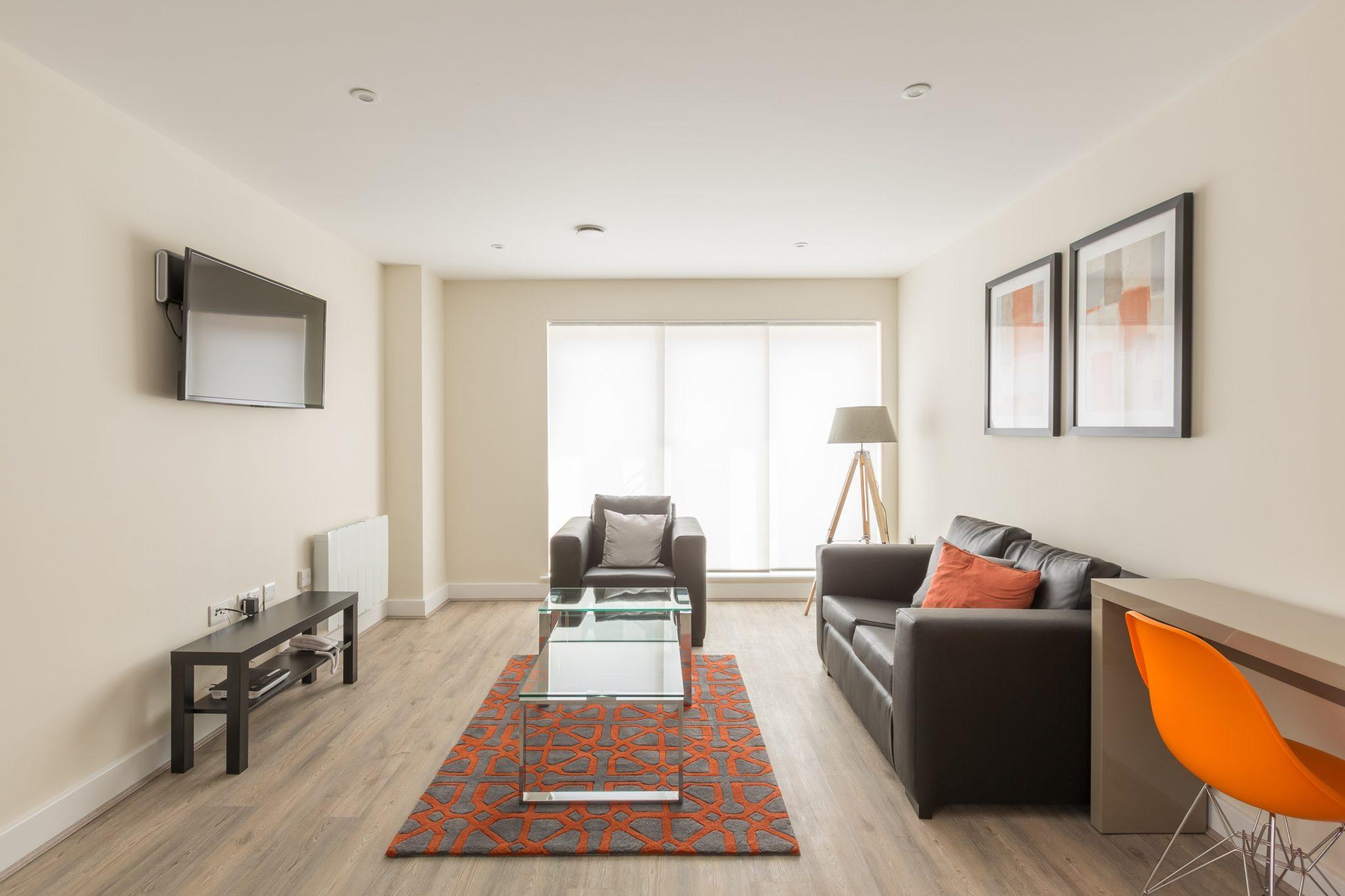 Solstice House - Serviced Apartments Farnborough | Urban Stay
