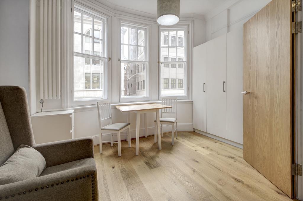 Budget Accommodation London Cannon Street Studio Apartments Urban Stay 5