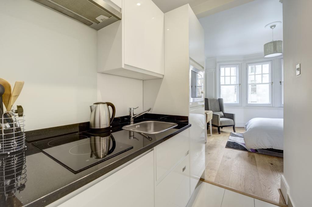 Budget Accommodation London Cannon Street Studio Apartments Urban Stay 6