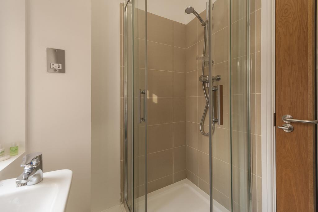 Budget Accommodation London Cannon Street Studio Apartments Urban Stay 7