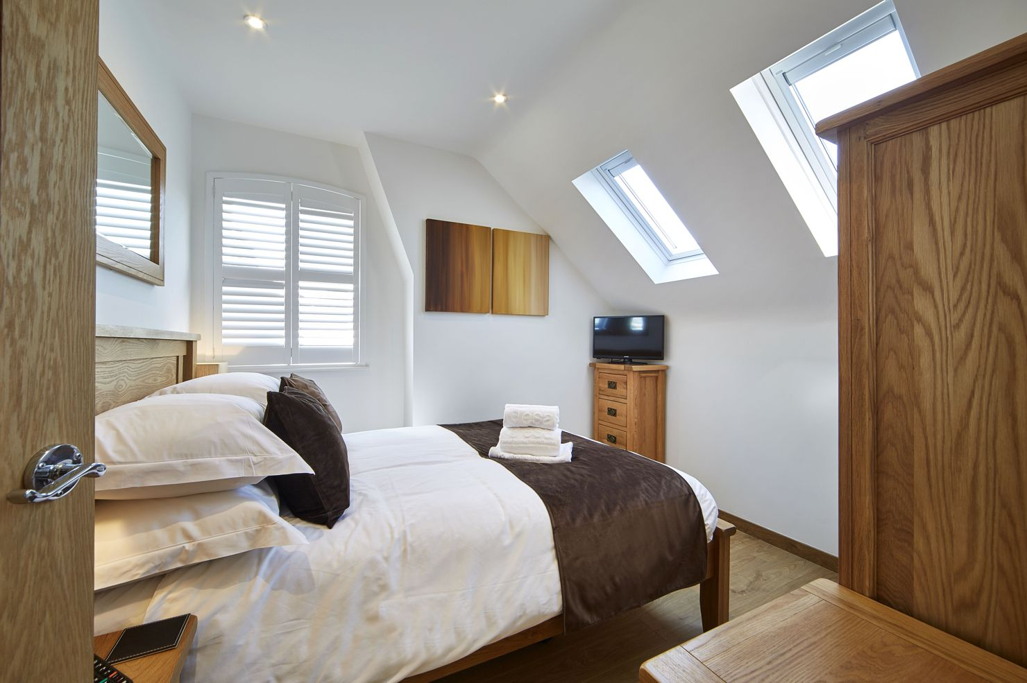 Reading-Serviced-Apartments-–-Castle-Crescent-Short-Stay-Accommodation.-Budget-Accommodation-Reading---Cheap-Airbnb-Short-Stay-Apartments-UK-|-Urban-Stay